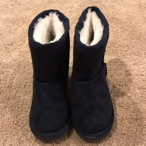 Navy Sherpa lined boots for toddler size 6/7